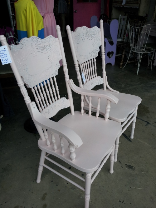 chairspinkvintage