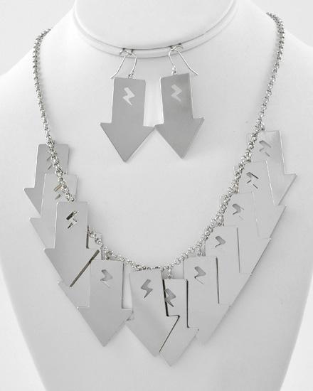necklacearrows
