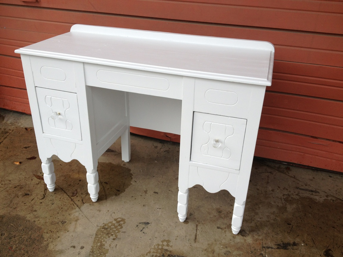 Awe Inspiring Beautiful Vintage Wood Vanity Desk The Other Side Vintage Download Free Architecture Designs Scobabritishbridgeorg